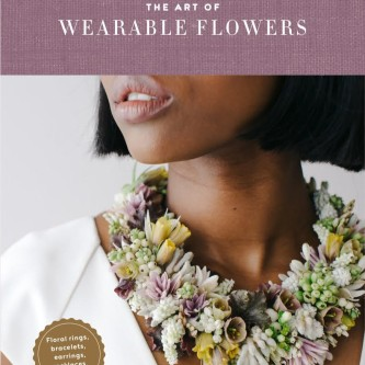 01641_The_art_of_wearable_flowers_1